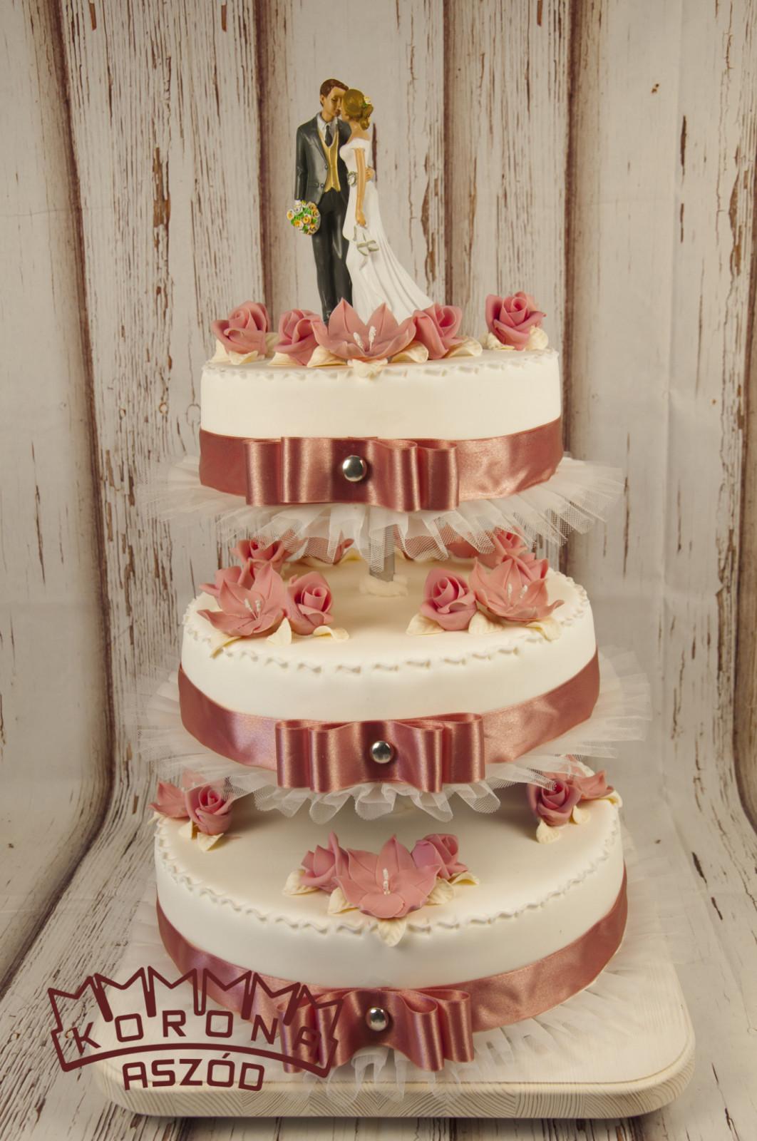 ef9e9fa414 Korona Cukrászda esküvői torta kínálata